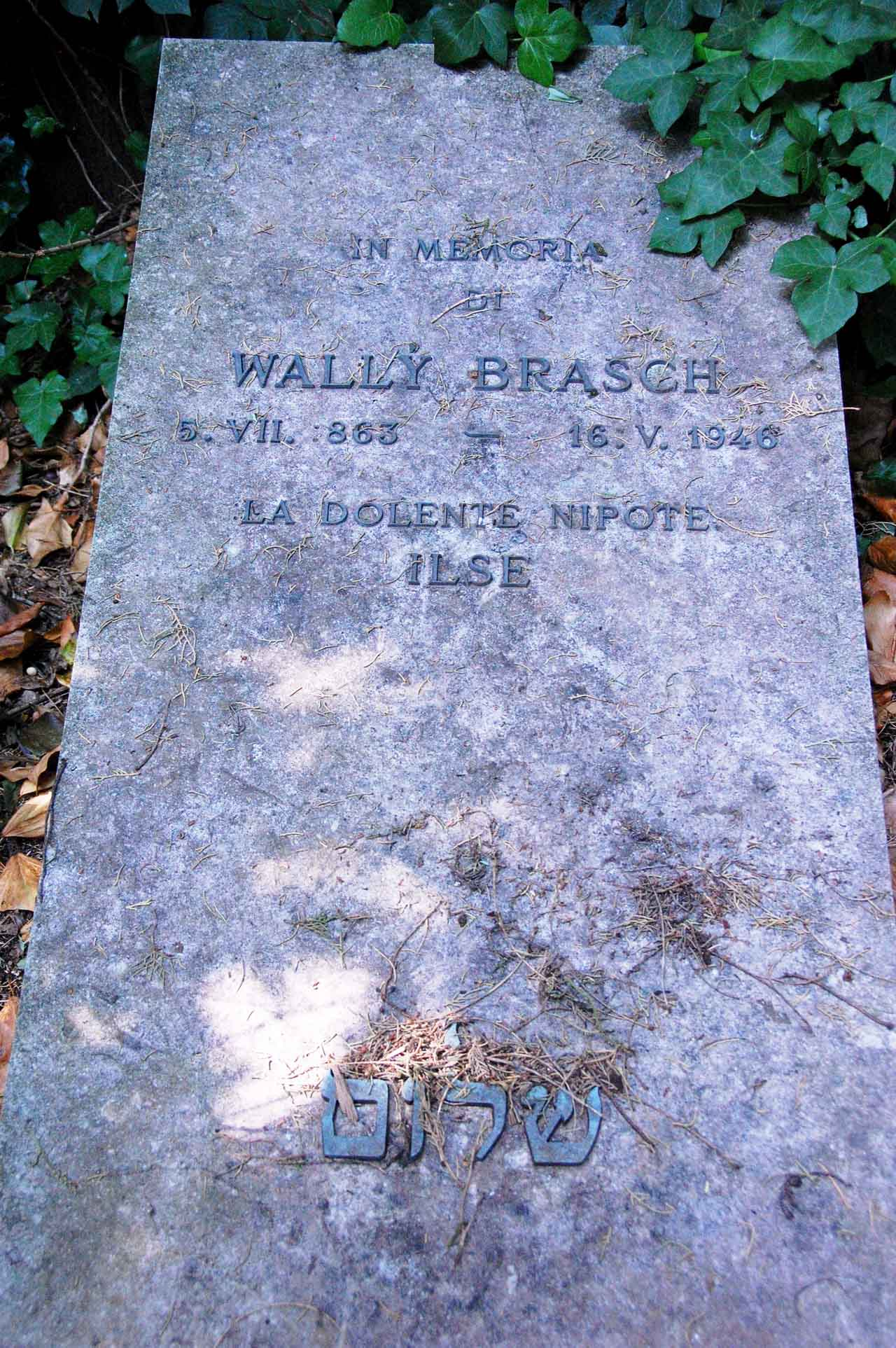 Grabstein Wally Brasch, 16. Mai 1946